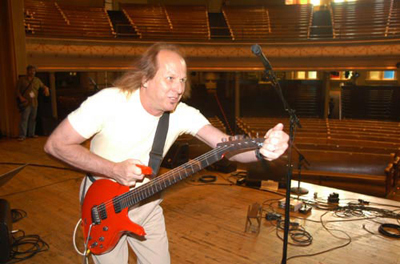 Adrian Belew - The Twang Bar King