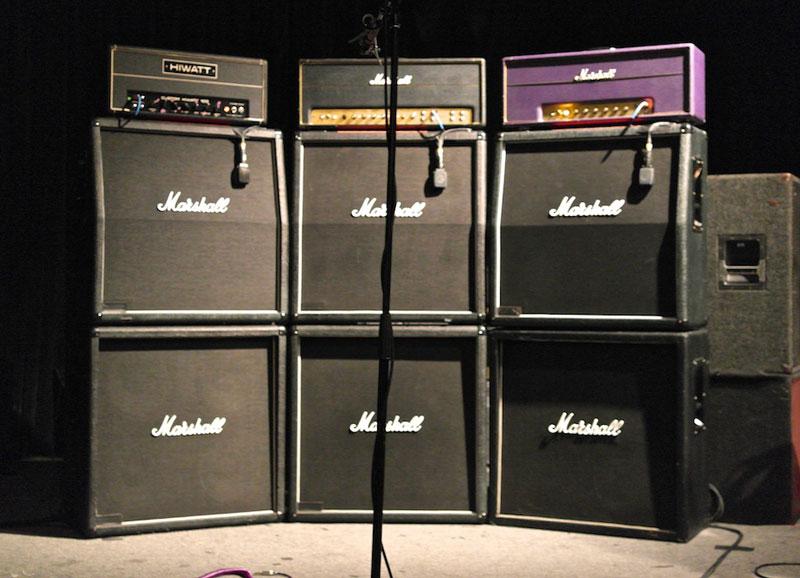 Amp wall
