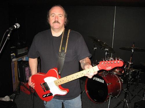 Dave Hogan: Hollerado Guitar Contest Winner