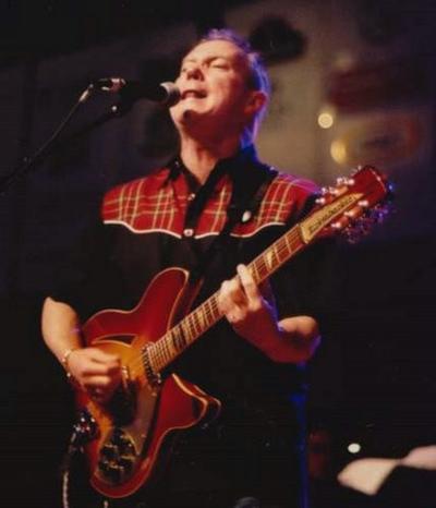 12-String Guitarist: David Love & His Rickenbacker 12-string