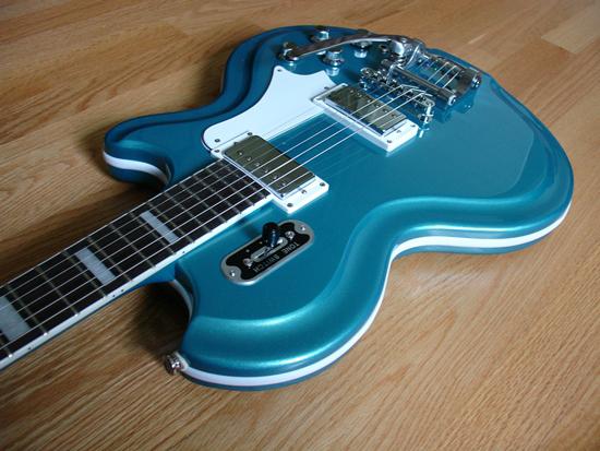 eastwood-airline-59-coronado-electric-guitar-metallic-blue-06.jpg