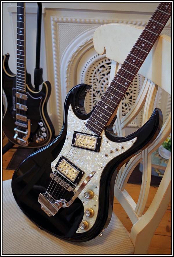 Eastwood Custom Guitar Mods: The Hummingbird |