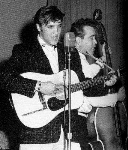 Elvis Presley's Martin D-18