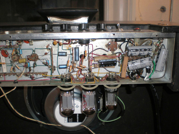 Hilgen Victor Model R2522 Amplifier