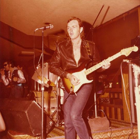Garage Guitarist: Ian Carter