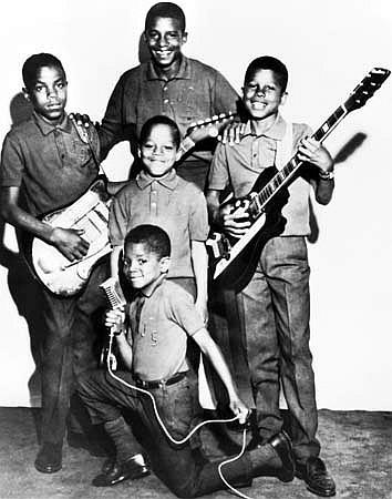 Jackson 5: Jermaine Jackson plays Airline Town & Country Guitar