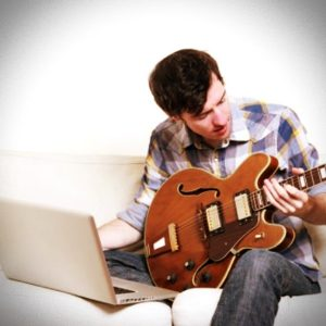11 Damaging Mistakes Guitar Players Make and How to Avoid Them