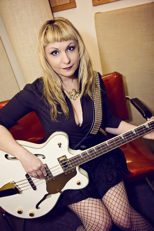 Nessie Doss (Beyond Veronica) with the Eastwood Classic 4 Bass