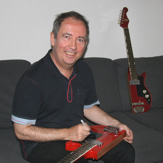 Pete Shelley autographs his signature Starway guitar