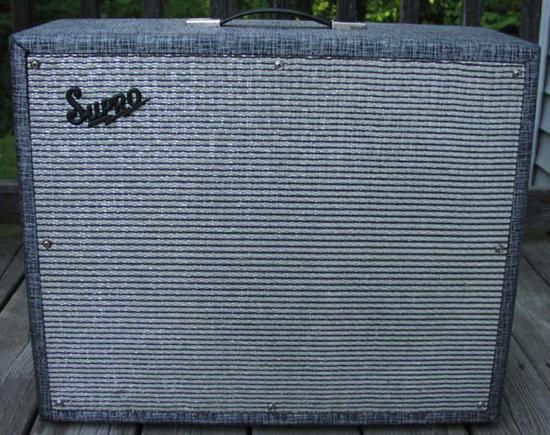 Supro Thunderbolt Amp (front)