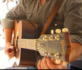 Tuning a Gibson Acoustic Guitar