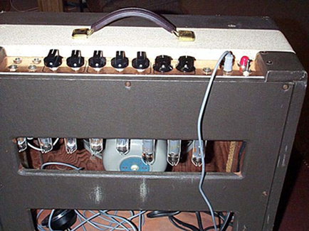Univox 202R Guitar Amplifier on