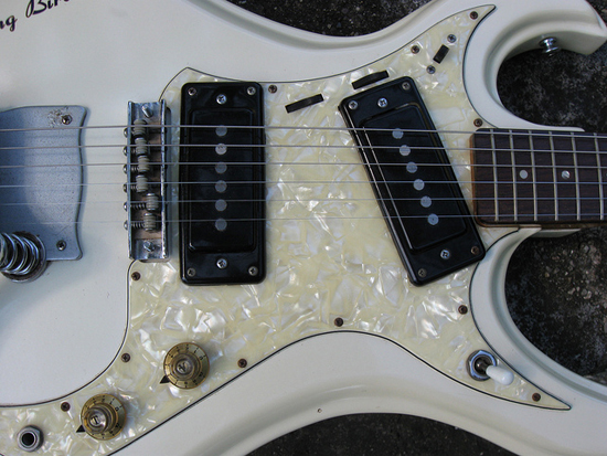 Vintage 1967 TOKIA Hummingbird Electric Guitar (White)