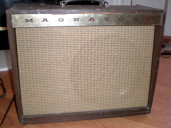 Vintage Magnatone Custom 250 Guitar Amplifier