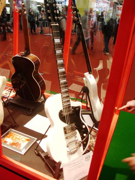 Musikmesse 2008: Original Vintage Supro Dual Tone Guitar